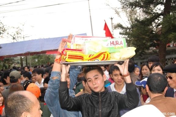 """Lễ hội làng Mộ Trạch: Thế hệ trẻ họ Vũ - Võ """"Vấn"""