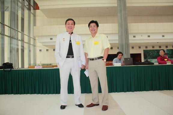 Doanh nhân Vũ Duy Bổng (bên trái) và Vũ Thế Trường (bên